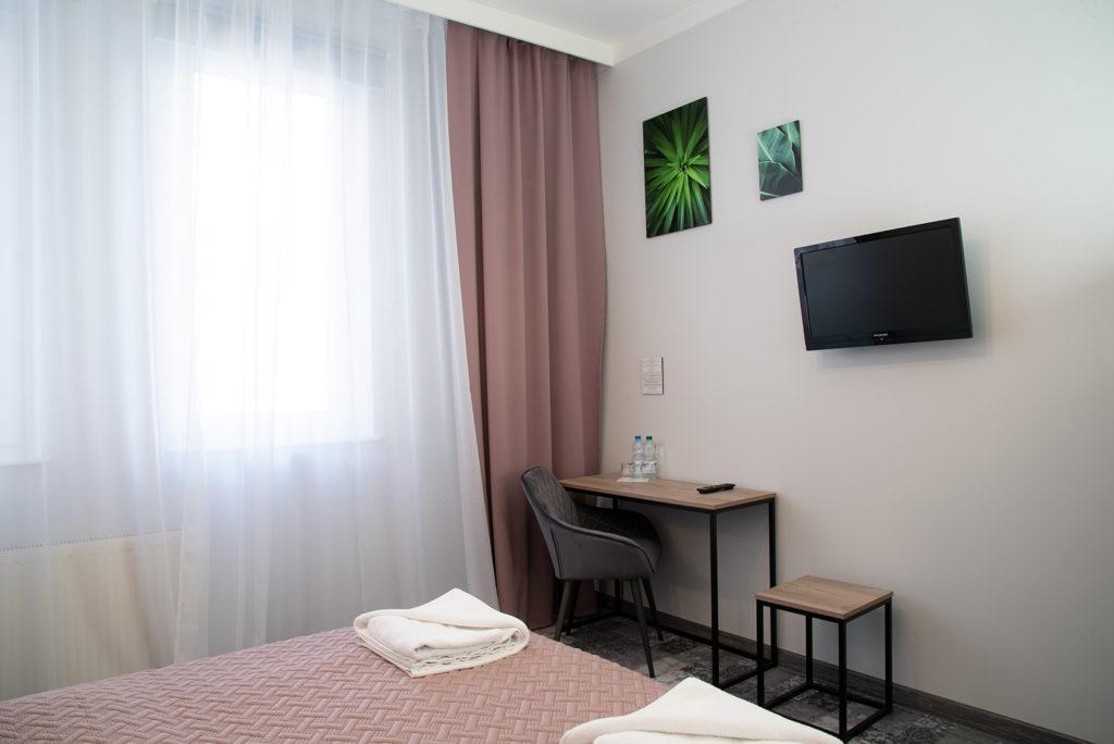 nocleg w pokoju comfort w hotelu Baron w Ciechanowie
