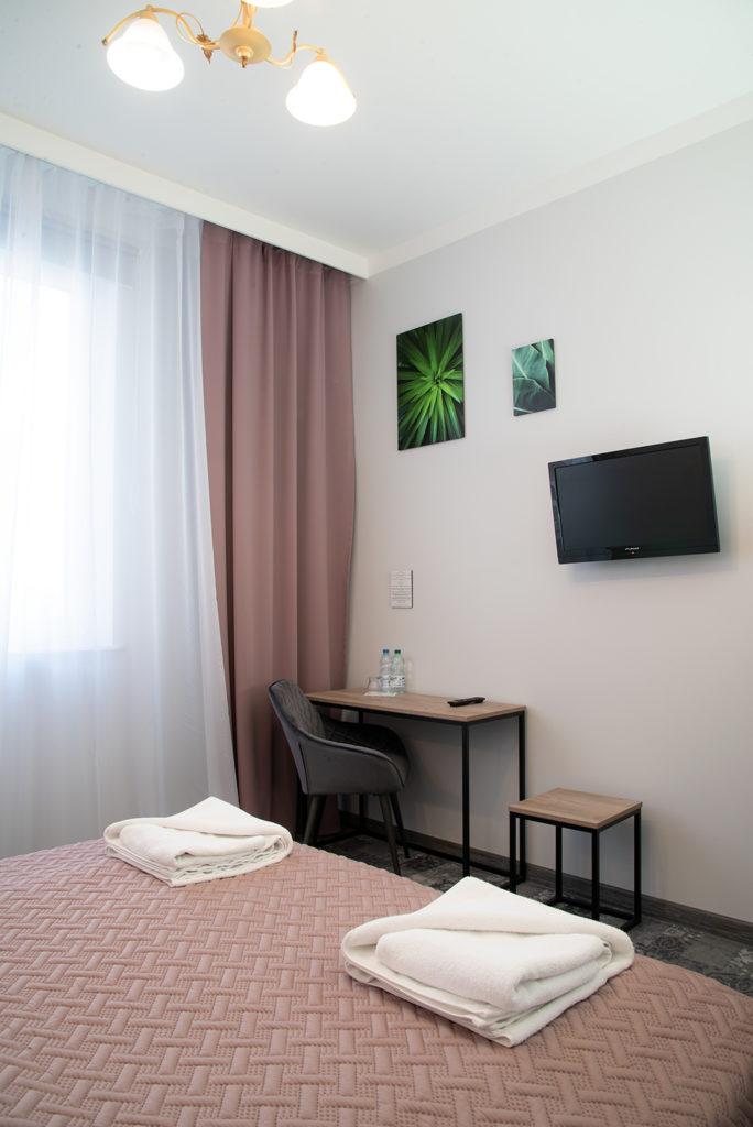 nocleg w Ciechanowie hotel Baron pokój comfort